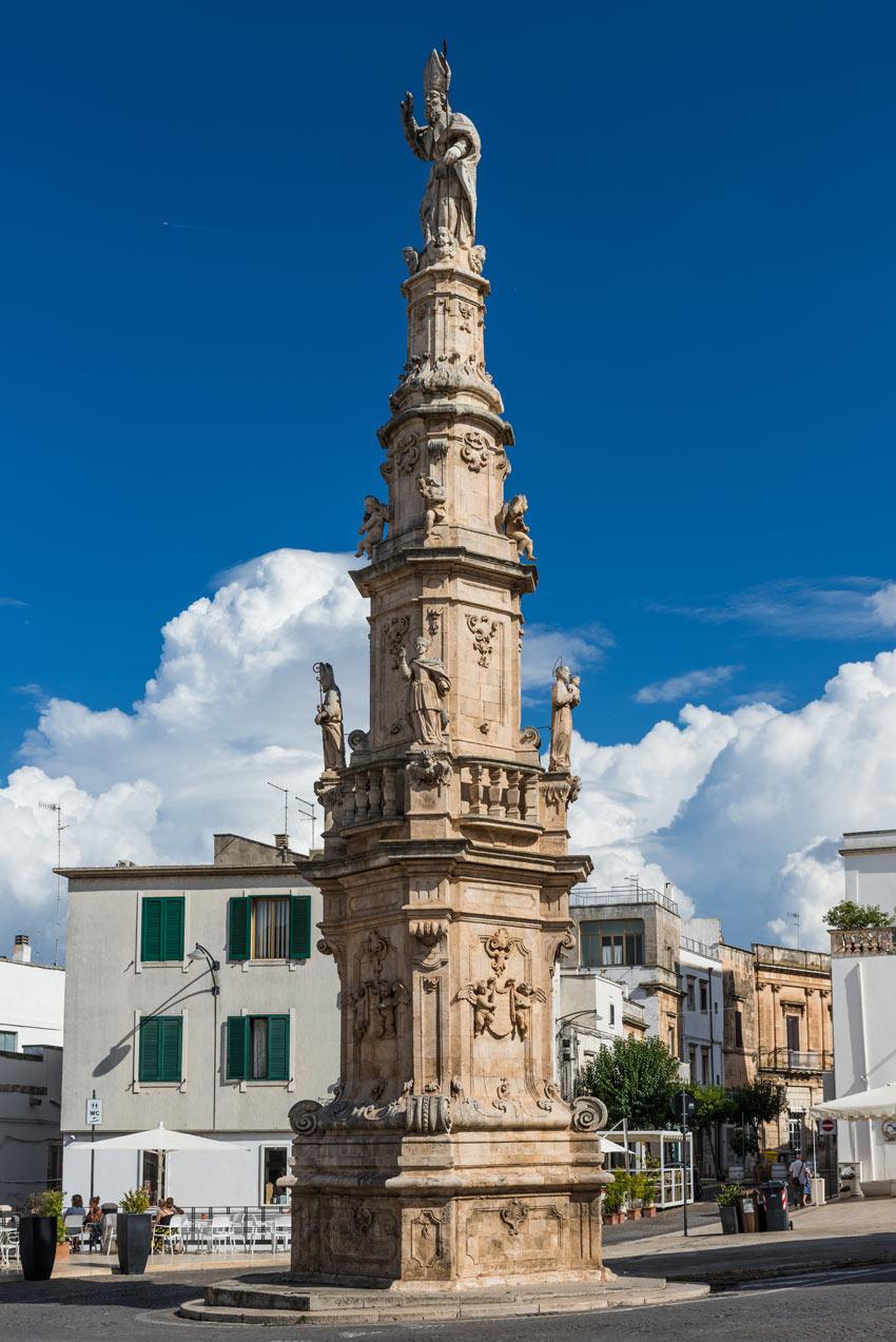 obelisco ostuni